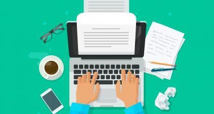 Hand beim Kreativen Schreiben